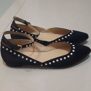 🛍️ pearl flats with ankle straps